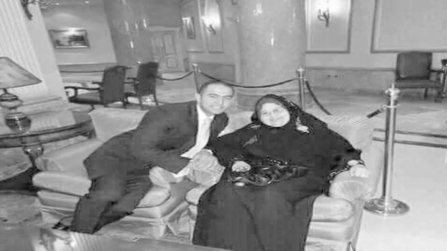 والدة الشهيد أبوشقرة غرست فيه الفضائل والأخلاق منذ الصغر