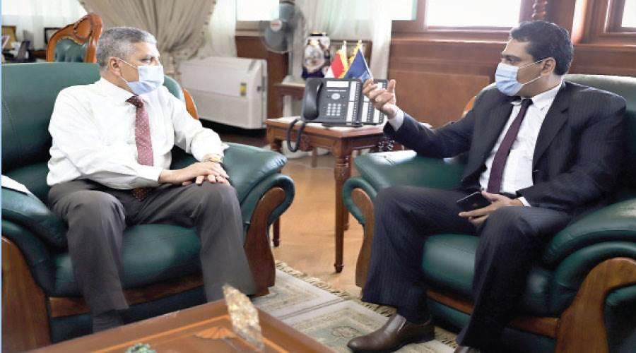 رئيس التحرير يحاور رئيس هيئة قناة السويس