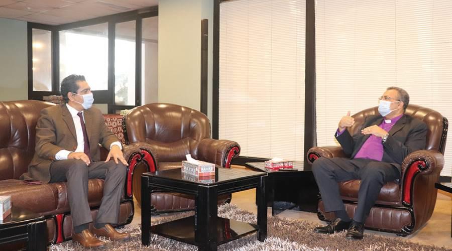 رئيس الطائفة الإنجيلية فى حواره مع رئيس التحرير